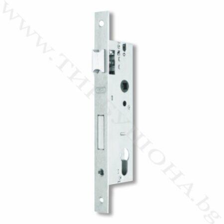 Брава алуминиева врата